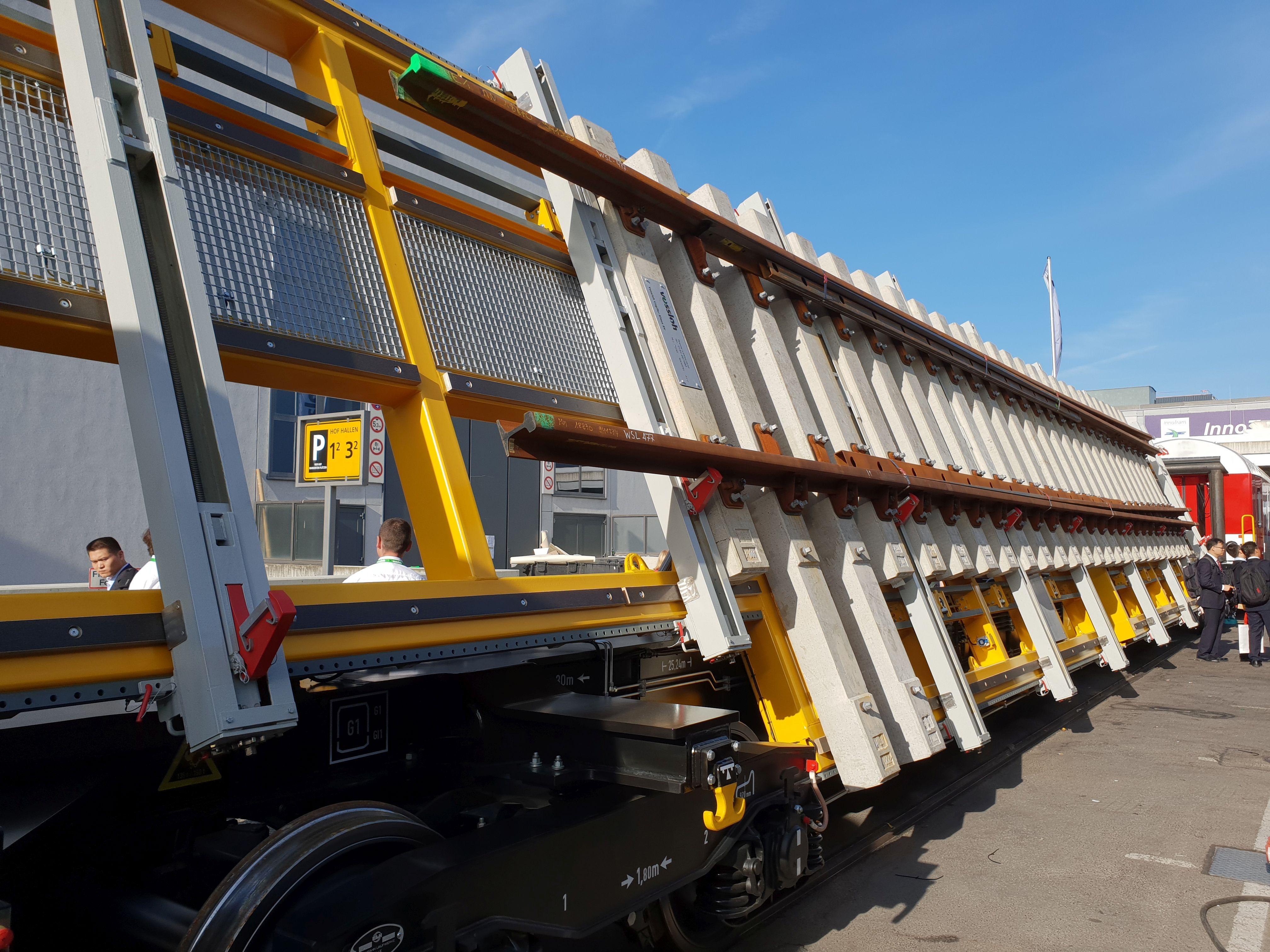 Foto: Weichentransportwagen auf der Berliner Innotrans 2018